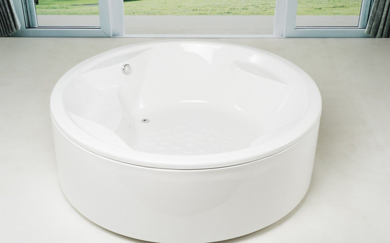 Allegra Round Freestanding Bathtub 1