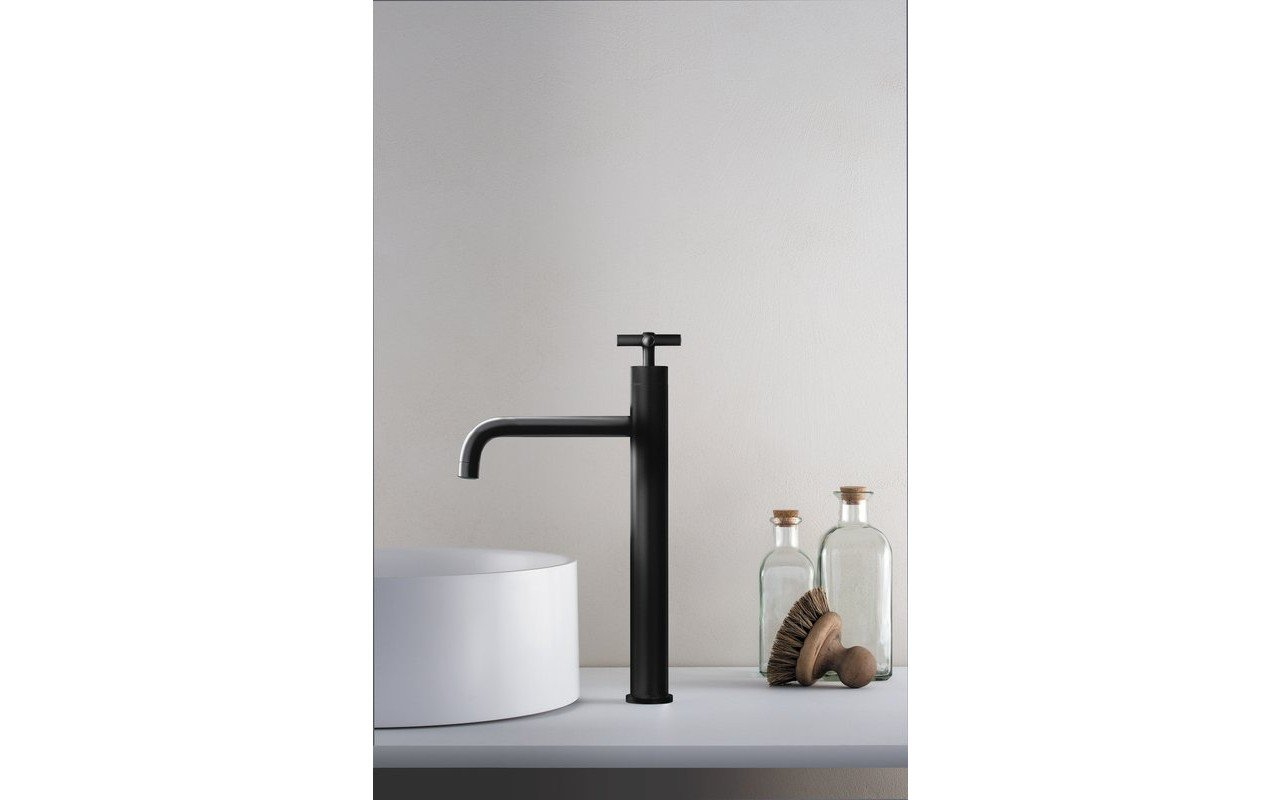 Aquatica Celine 10 Sink Faucet (SKU 222) Black 01 (web)