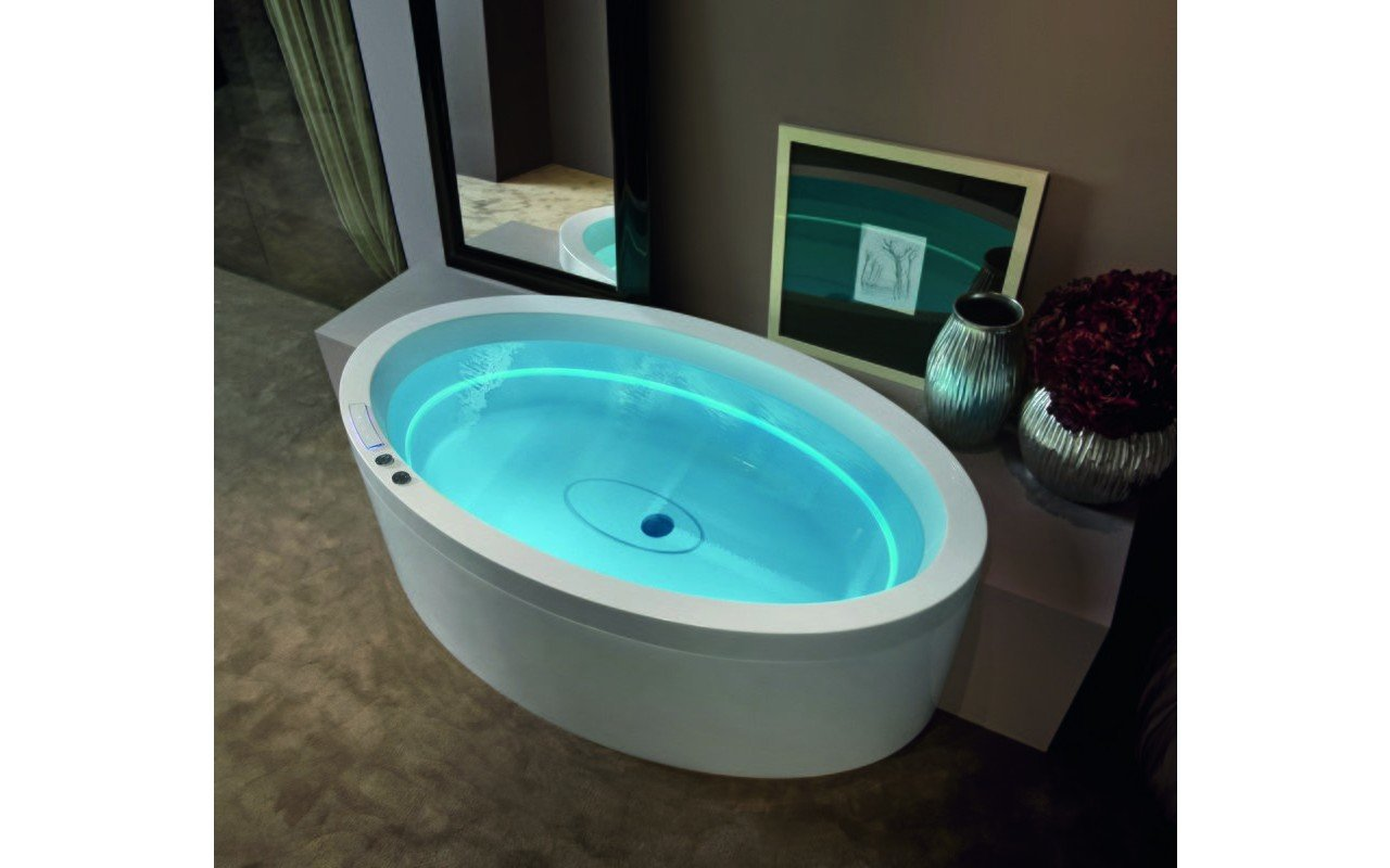 Dream Ovatus outdoor hydromassage bathtub 01 (web)
