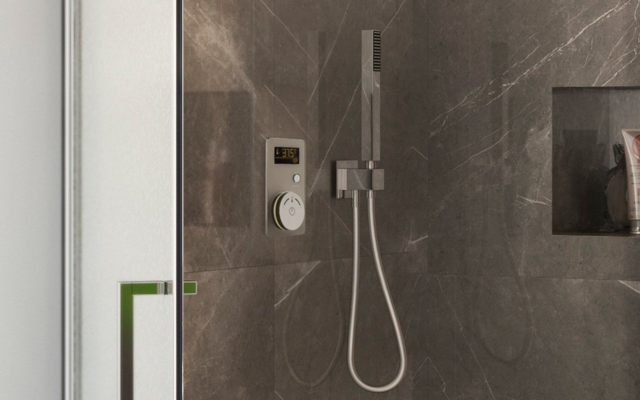 Multiplex Trio Shower Control White 02 (web)