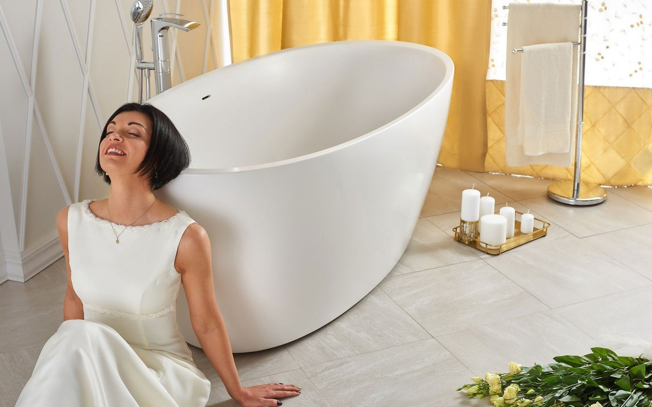 Sensuality wht freestanding oval solid surface bathtub by Aquatica 06 04 16––13 56 43 WEB