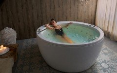 Aquatica pamela wht spa jetted bathtub web 22