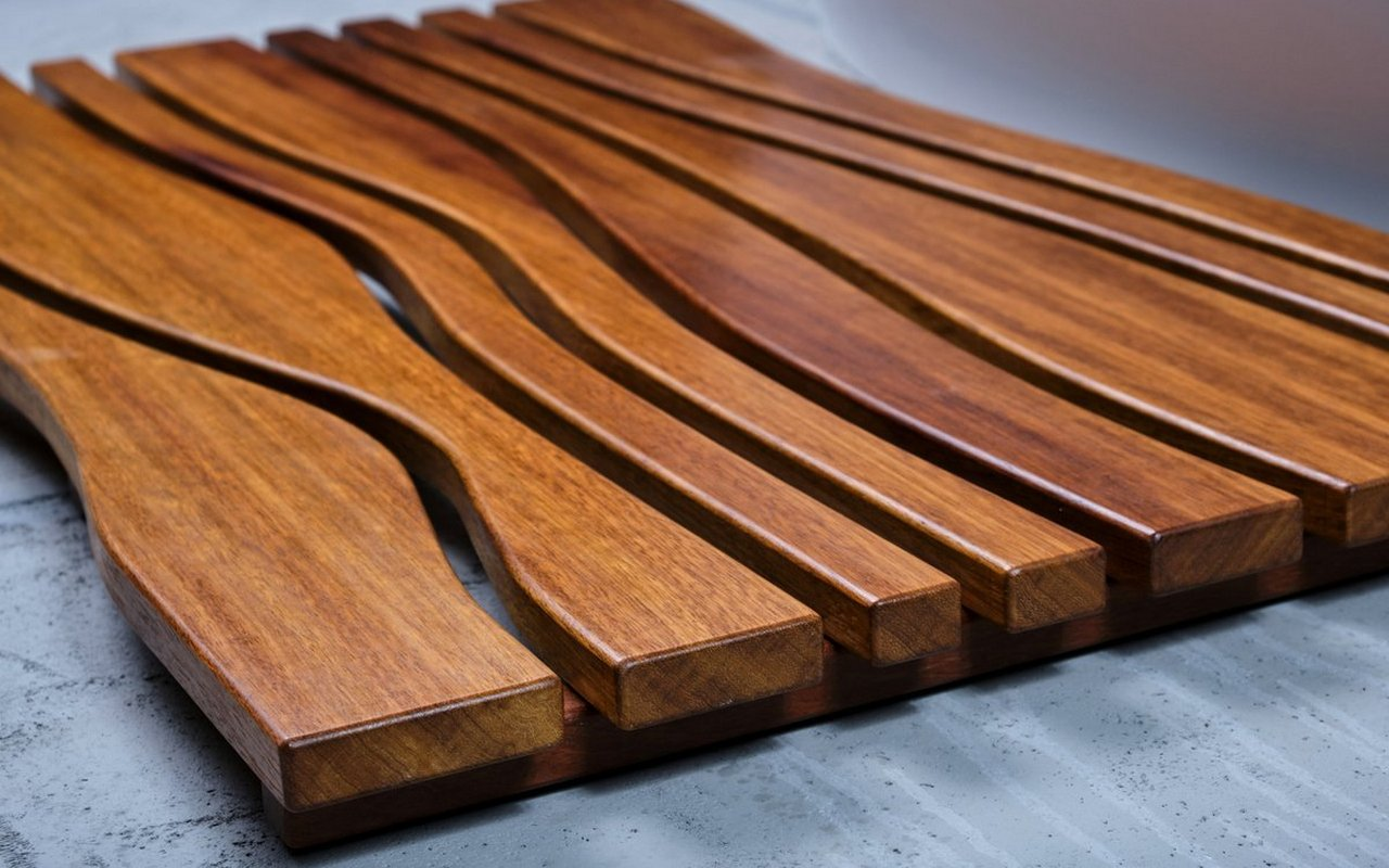 Aquatica Onde Waterproof Iroko Wood Floor Mat 05 (web)